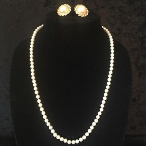 Jewelry - Pearl Necklace & Earring Set x011